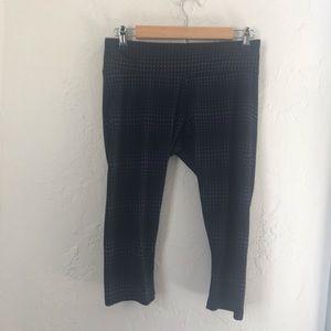 Marika Tek Black & Gray Geometric Capri Leggings